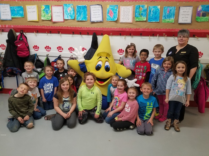 Mrs. Yates's 1st grade with Lucky Star